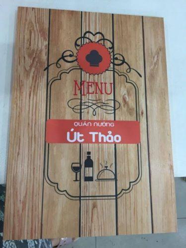 In menu bìa gỗ sang trọng quán lẩu nướng