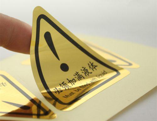 In tem nhãn decal nhựa vàng đẹp chất lượng